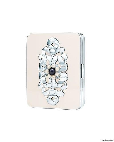 Женский футляр для карт из серебра с белой ювелирной эмалью
