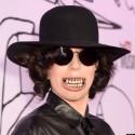 Пугающие гриллзы Леди Гага