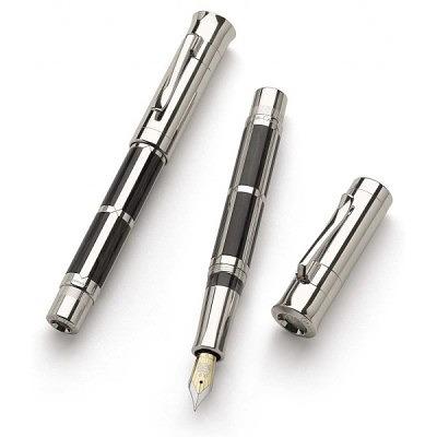 Ручка 2007 года Graf von Faber-Castell из окаменевшего дерева и двухцветного 18-каратного золота. Конец ручки покрыт платиной.