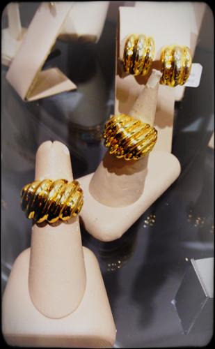 Кольца из желтого золота от The Mazza Co.