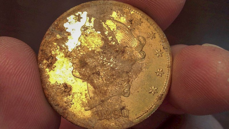Gold coins worth 10 million dollars