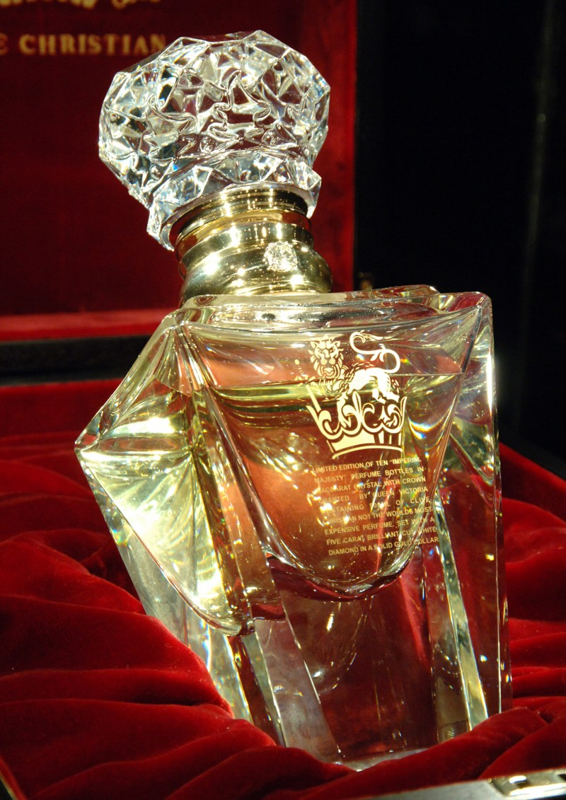 clive-christian-no-1-perfume-imperial-majesty-edition-closeup