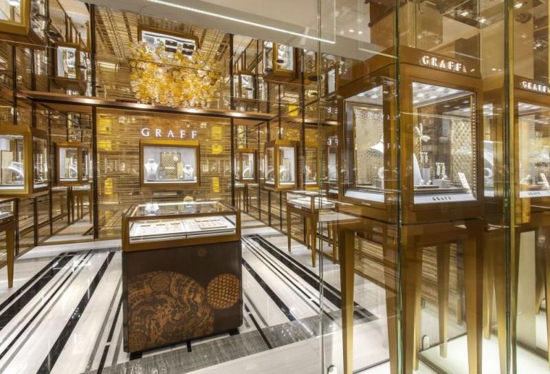 Магазин Graff Diamonds в отделе премиальных ювелирных изделий лондонского Harrods.