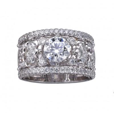 Обручальное кольцо Buccellati из коллекции Romanza со сквозным узором крупным центральным бриллиантом.