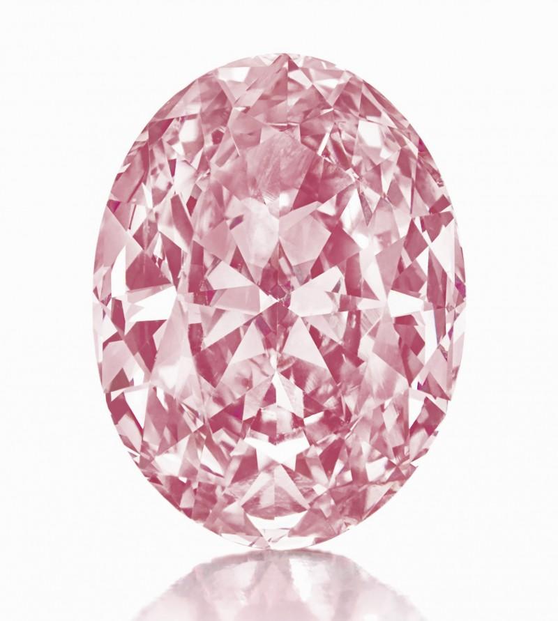 Ярко-розовый овальный бриллиант в 5,5 карата; $ 9 573 000.