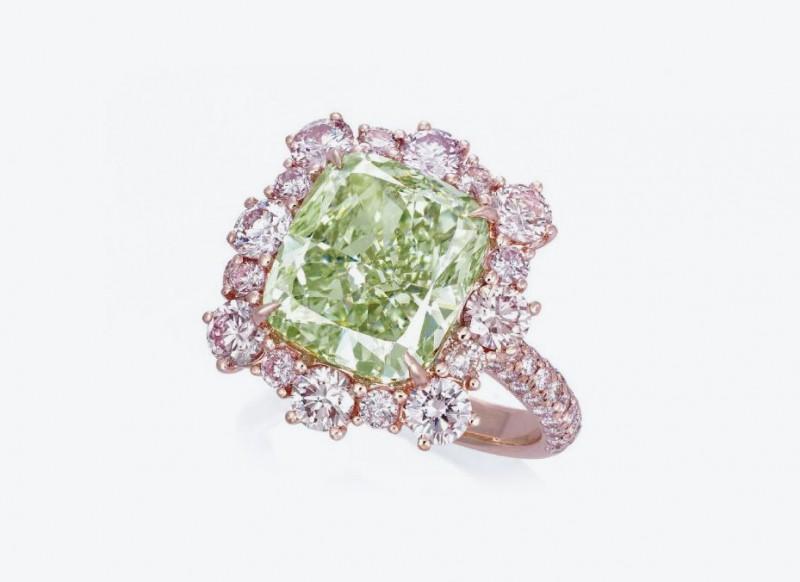 3_green diamond ring