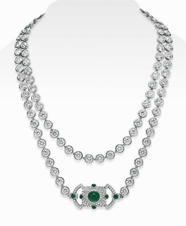 Ожерелье со 108 бриллиантами, каждый — весом от 1,16 до 1 карата, а также изумрудами в обрамлении из бриллиантового паве; $ 965 000.