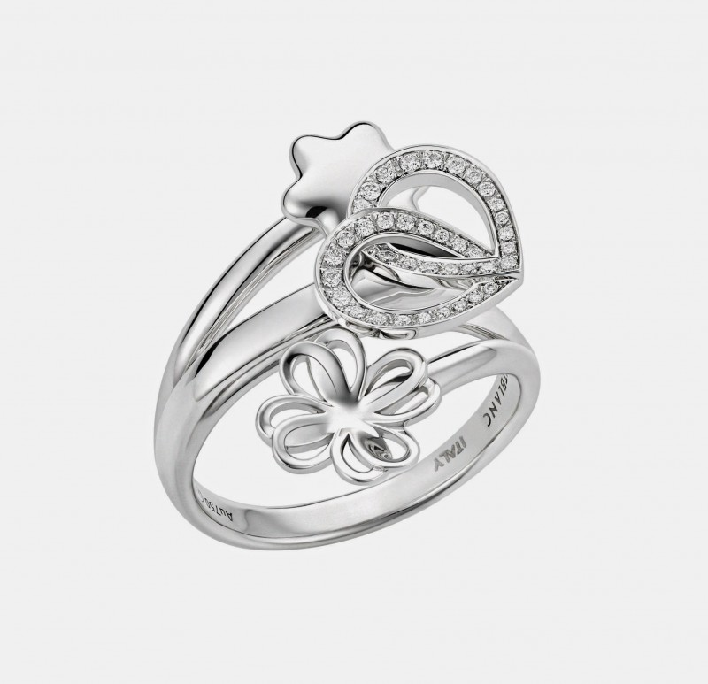 5_Montblanc_Emblem_Pluie_d'Etoile_ring_in_white_gold_with_diamonds_pave