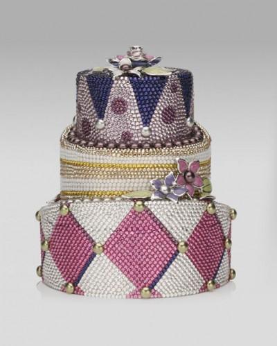 Topsy Turvy Cake Minaudière от Judith Leiber