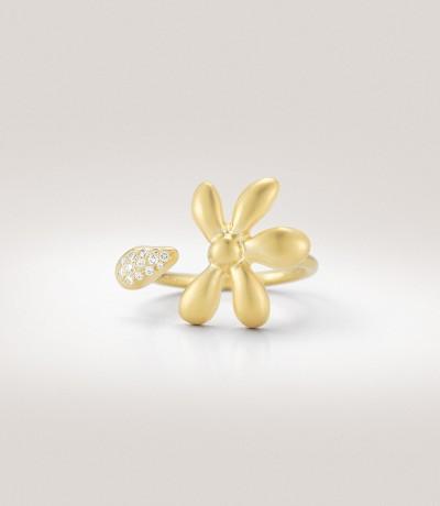 Кольцо из желтого золота с бриллиантами общим весом в 1 карат.