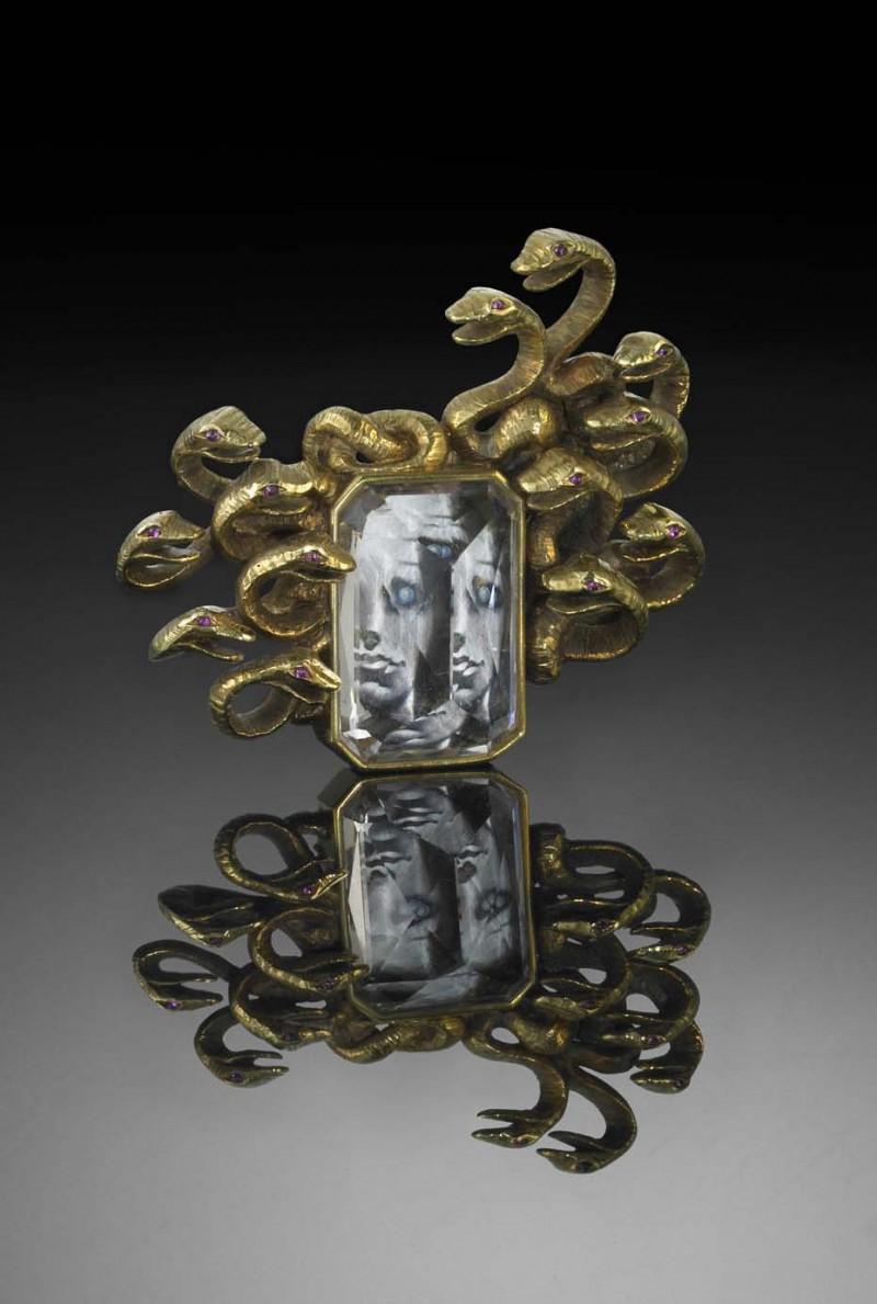 Брошь Medusa — плод совместного творчества Фулько ди Вердуры и Сальвадора Дали.