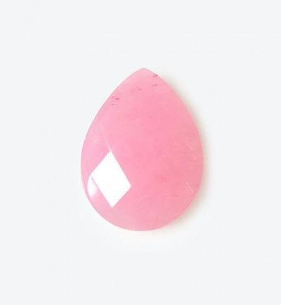 Розовый нефрит