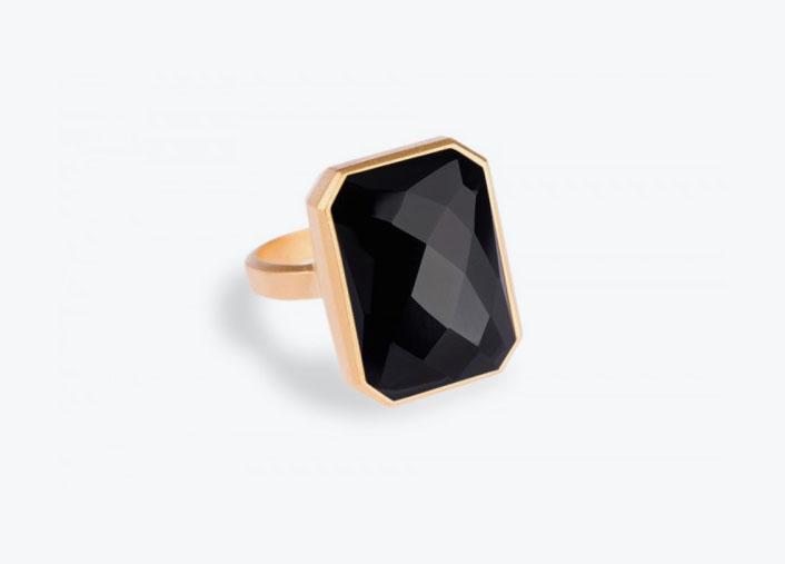 Black-Ringly
