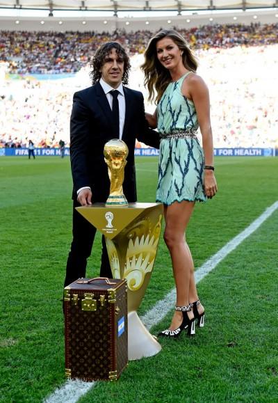 1_louis-vuitton-fifa-world-cup-trunk-2