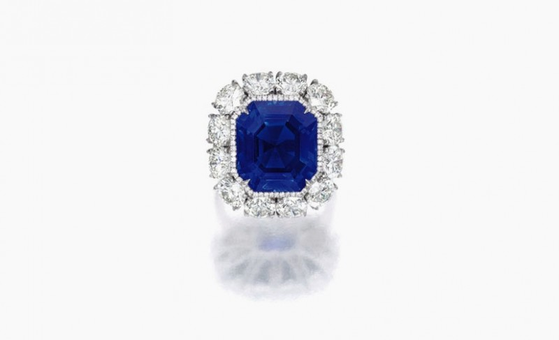 Кольцо с 17-каратным сапфиром, проданное за 4,5 миллиона долларов