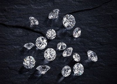 16 бриллиантов огранки «сердца и стрелы»