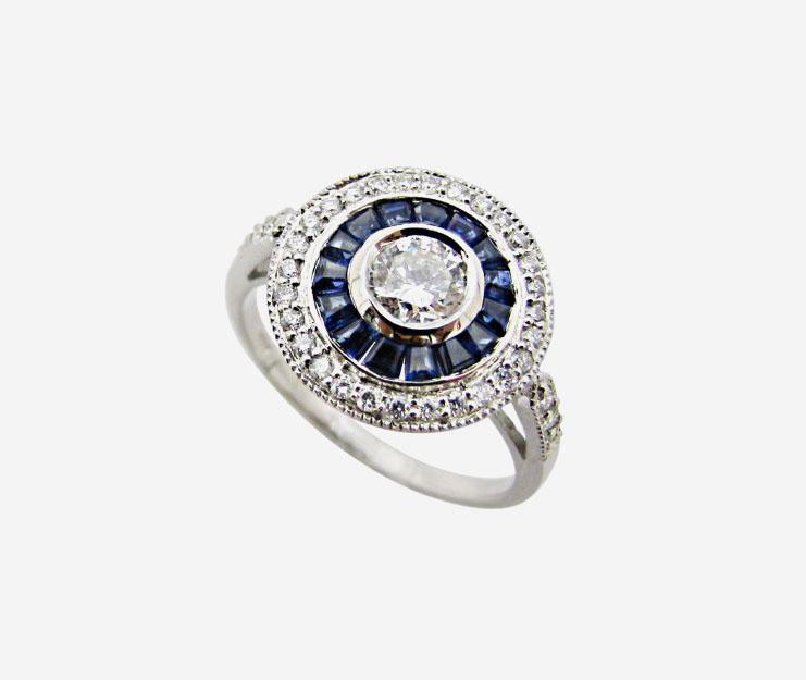 Кольцо с бриллиантами и сапфирами от Antika