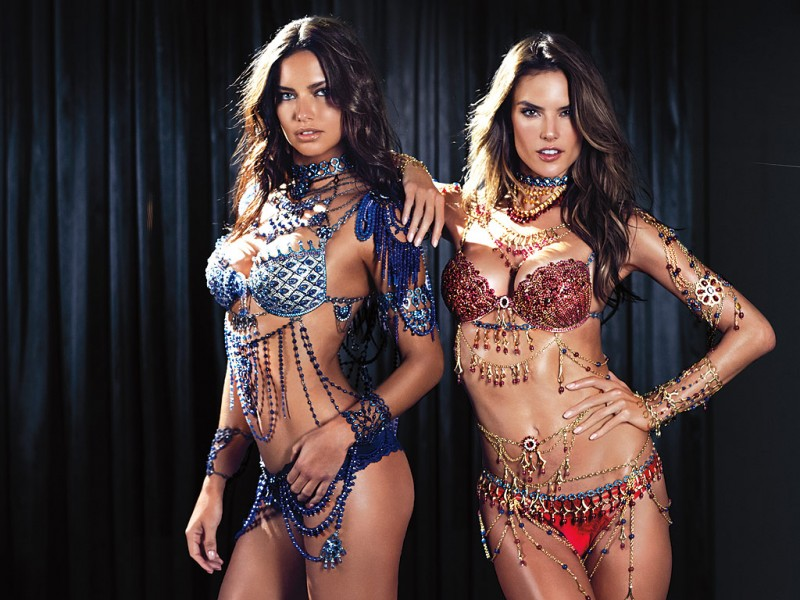 Адриана Лима и Алессандра Амбросио в двух новых комплектах Dream Angels Fantasy Bra от Victoria's Secret.