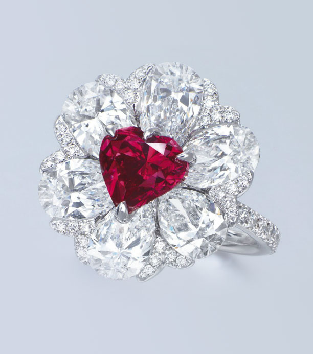 http://www.jewellerymag.ru/wp-content/uploads/2014/12/1_Red-diamond-ring.jpg