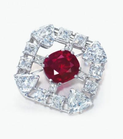 Брошь Cartier с бирманским рубином