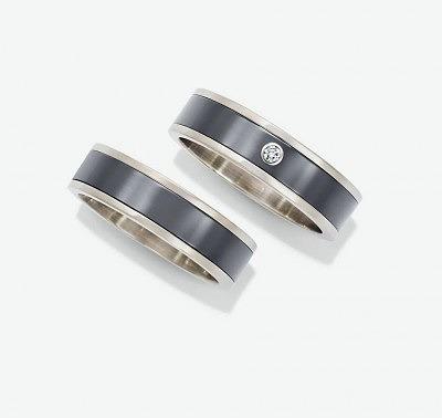 Кольца из белого золота и залиума с бриллиантом или без него из новой мужской коллекции Harry Winston
