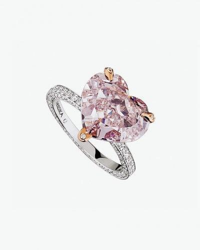 Кольцо с крупным розовым бриллиантом от Messika