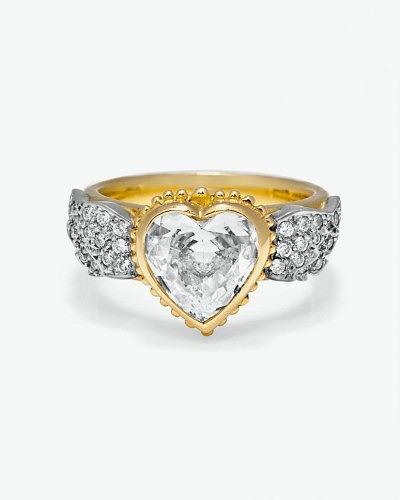 Кольцо от Sophie Harley с «крылатым» бриллиантовым сердцем