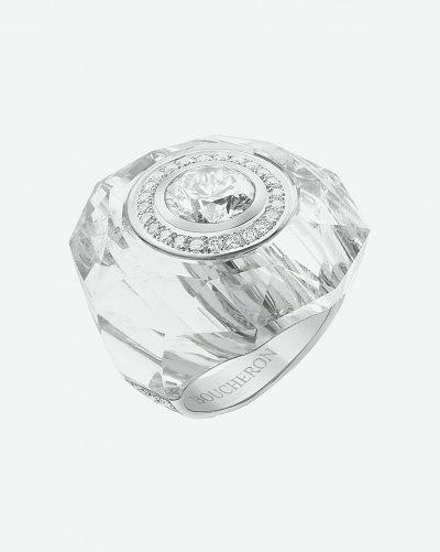 Кольцо Boucheron из горного хрусталя с центральным бриллиантом