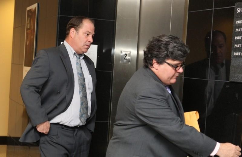 Пол Бларр (слева), приговоренный к тюремному заключению за мошенничество