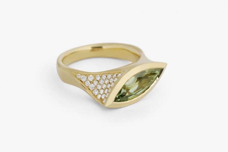 Кольцо McCaul Goldsmiths с зеленым гранатом и бриллиантами