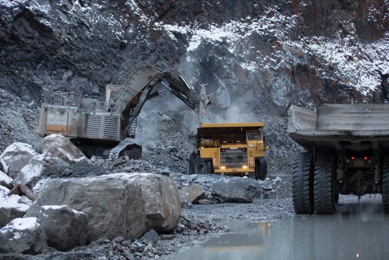 Добыча алмазов в трубке «Удачная» в Якутии