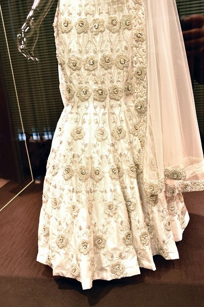 2_uk-most-expensive-wedding-dress-1