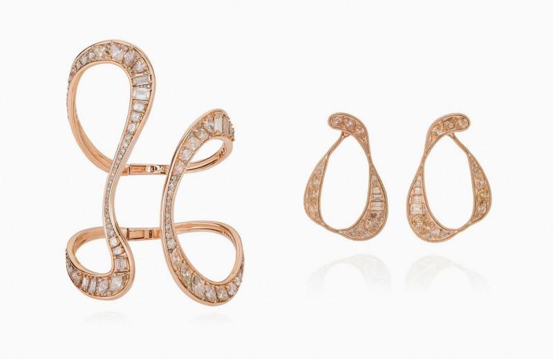 Браслет и серьги из розового золота с бриллиантами цвета шампань из новой коллекции Stream