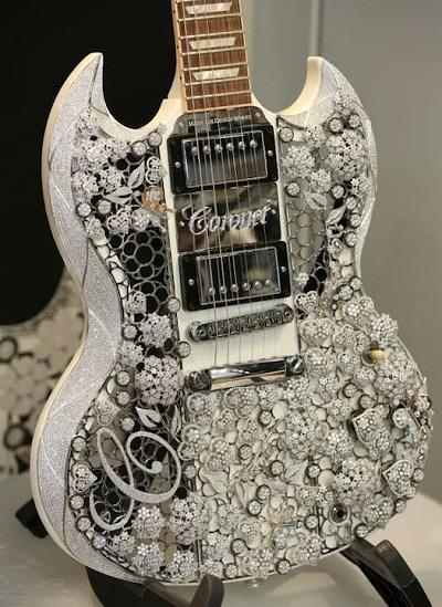 Модифицированная гитара Gibson — Eden of Coronet