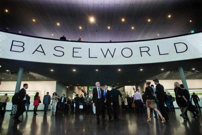 Baselworld-signage-thumb-1600x1065-24189