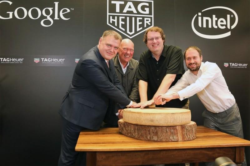 Представители Tag Heuer, Intel и Google объявляют о партнерстве для создания швейцарских «умных» часов