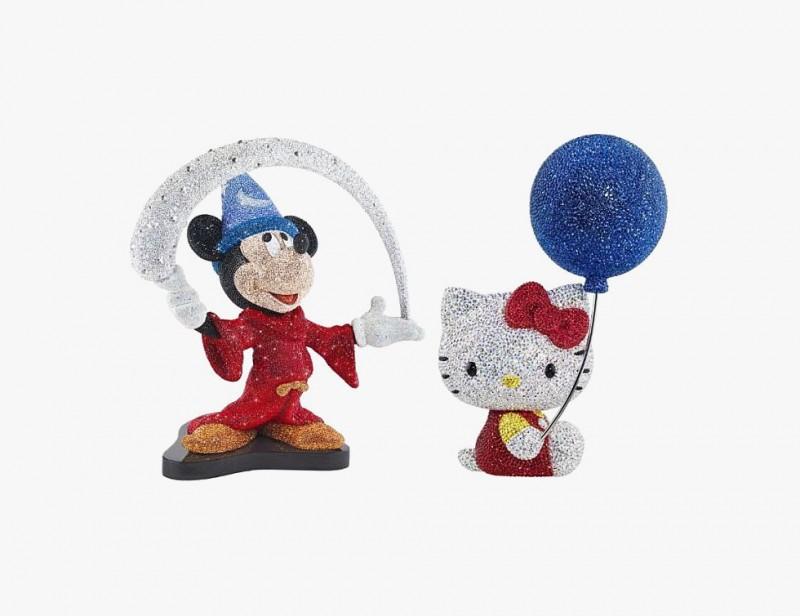 Микки Маус и Хэлло Китти от Swarovski, выпущенные в 2014 году.