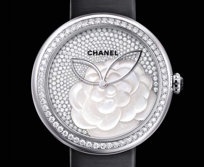Фото часов Mademoiselle Privé Décor Camélia Nacré