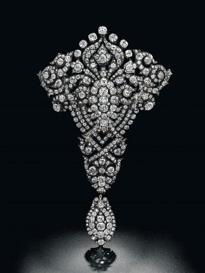 Бриллиантовая корсажная брошь Марии Кристины Австрийской