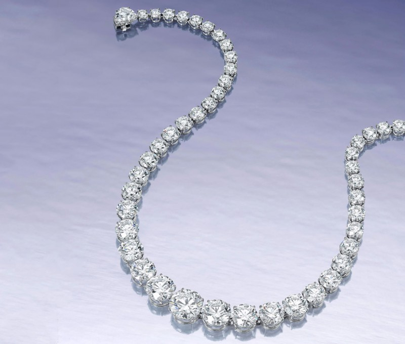 Бриллиантовое колье из 51 драгоценного камня, общим весом 70 карат