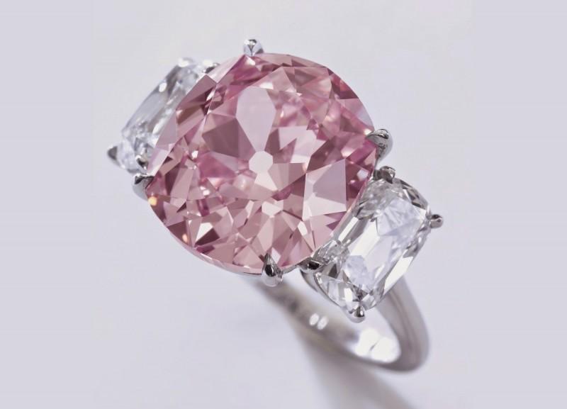 Бриллиант Historic Pink весом 8,72 карата, предположительно принадлежавший принцессе Матильде, племяннице Наполеона