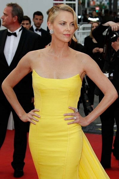 Шарлиз Терон в платье от Dior и украшениях от Chopard