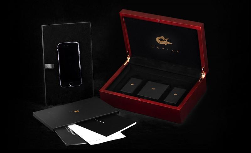 iPhone 6 Credo Trinita предлагается покупателям в эксклюзивной деревянной коробке, обитой бархатом изнутри