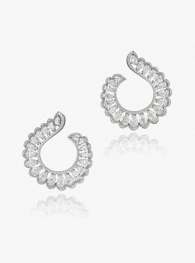 Серьги с бриллиантами из «честного» и «ответственного» золота от Chopard из коллекции Green Carpet 2015 года