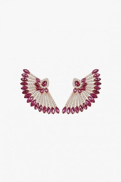 Серьги в форме вееров от Sutra с рубинами и бриллиантами