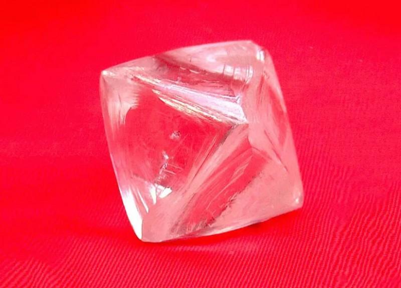 Фото найденного алмаз весом 76,07