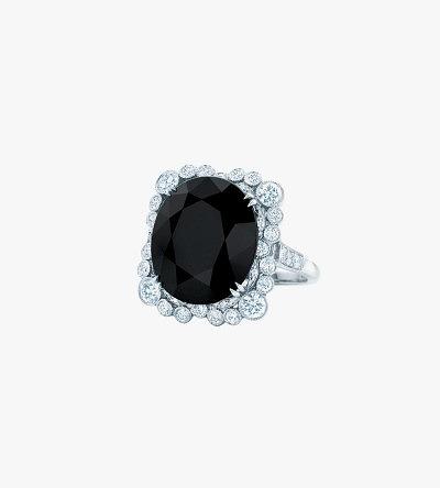 Платиновое кольцо с ониксом и бриллиантами