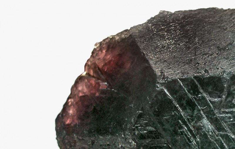 Фото александрита с изменением цвета