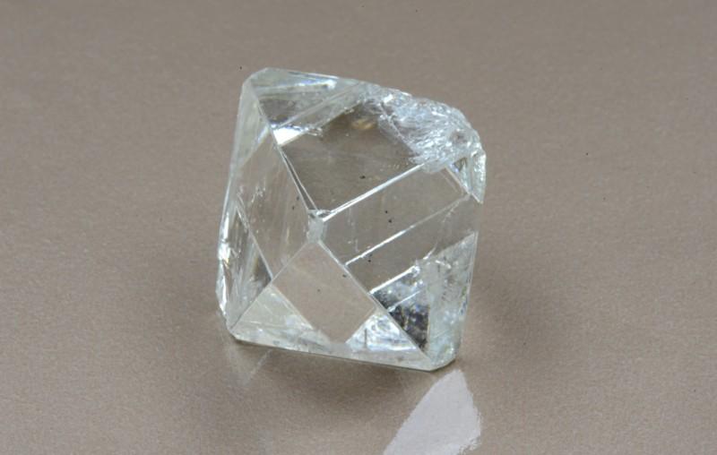 78-каратный алмаз добытый АЛРОСА
