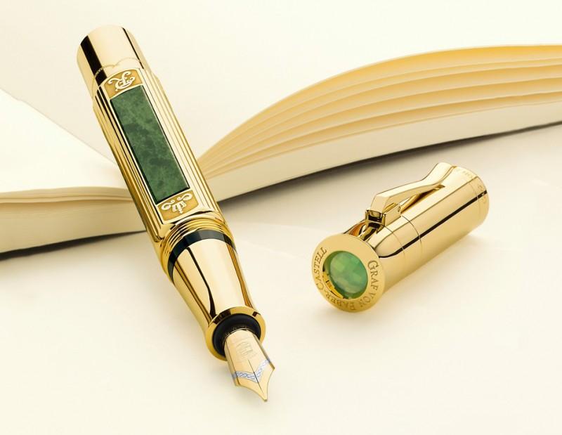 Ручка 2015 года Graf von Faber-Castell с золотым покрытием